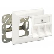 Delock Keystone Wall Outlet 3 port compact
