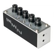 Tri-Tone Equalizer Control and Headphone Amplifier